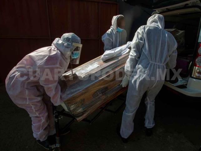 Suma México 498 mil casos y 54 mil decesos