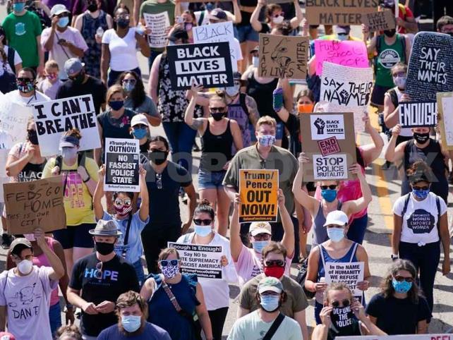 Protestan contra racismo en Estados Unidos