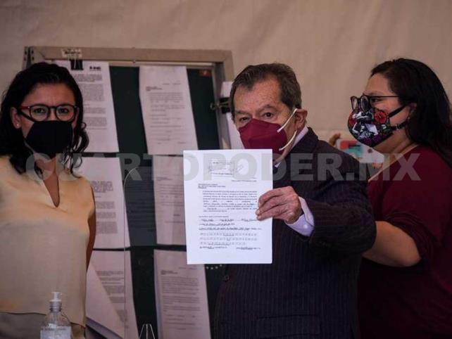 "Muñoz denuncia llamadas ""ilegales"""