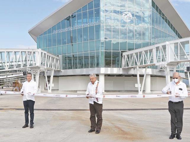 AMLO y Rutilio inauguran  ampliación del aeropuerto