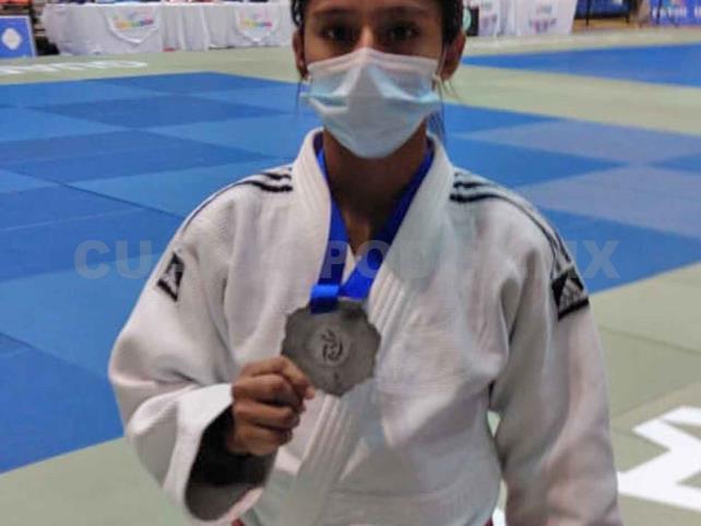 Ariana gana plata en el Panamericano