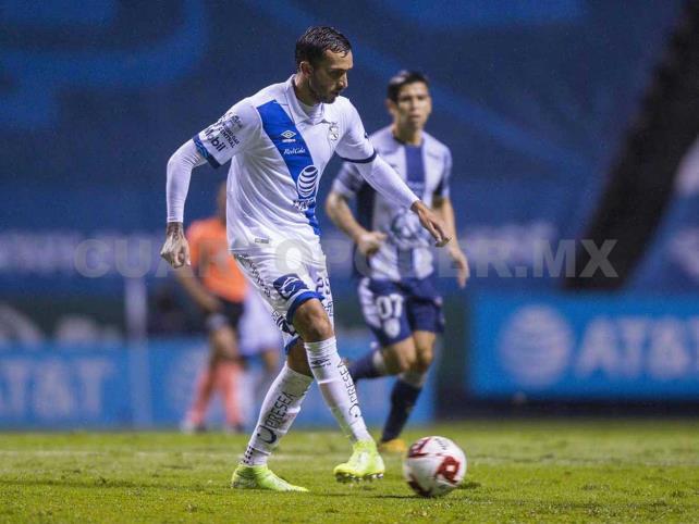 Puebla y Chivas buscan primeros tres puntos