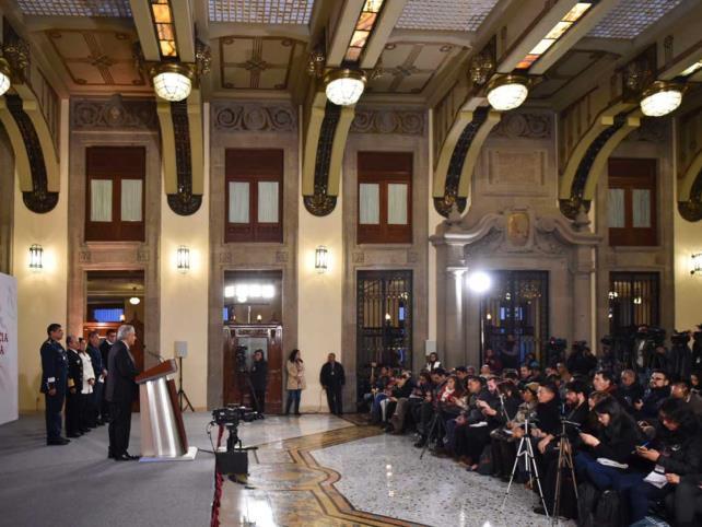 "AMLO recurrirá a justicia si INE cancela ""mañaneras"""