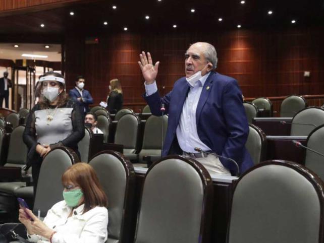 Arremeten contra el INE y Lorenzo Córdova