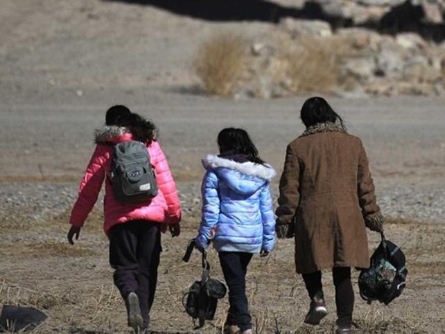 Reportan liberación de familias migrantes