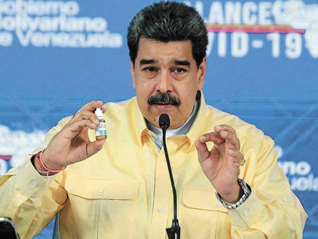 """Facebook """"bloquea"""" página de Maduro"""
