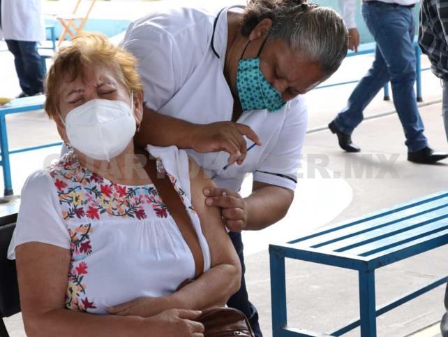 Avanza vacunación para adultos mayores