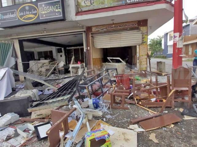 Explosión en una cocina causa destrozos en locales