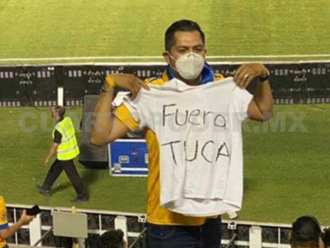 """Tuca"" Ferretti no mandó sacar al aficionado"