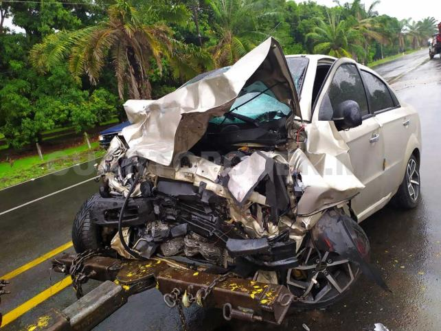 Fatal choque carretero: dos muertos y tres heridos