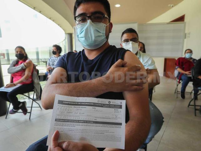 Martes inicia inoculación de maestros en CDMX