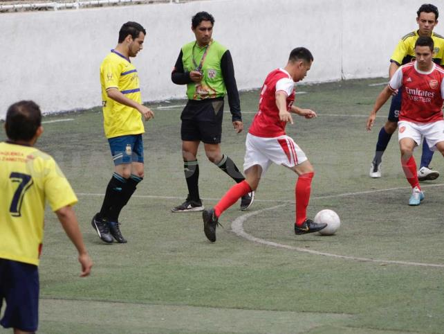Deportivo Peña, con un pie en semifinales