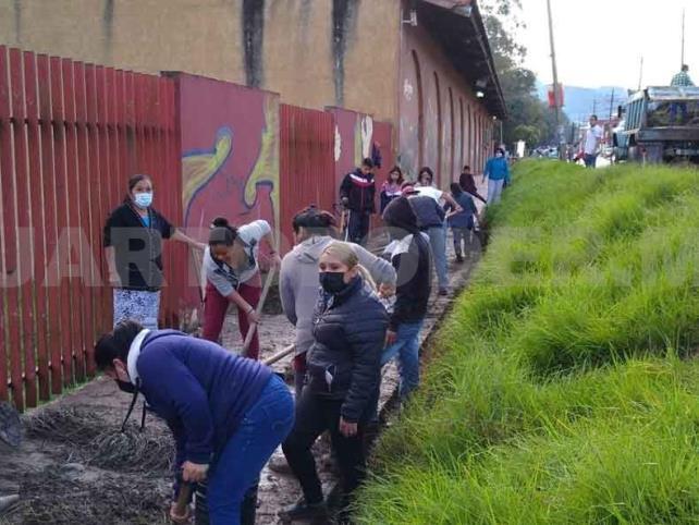 Habitantes realizaron actividades ambientales