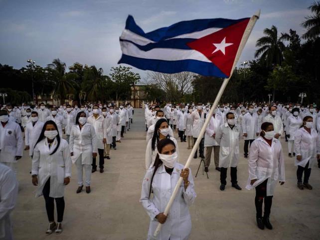 PAN señala contratación de falsos médicos cubanos