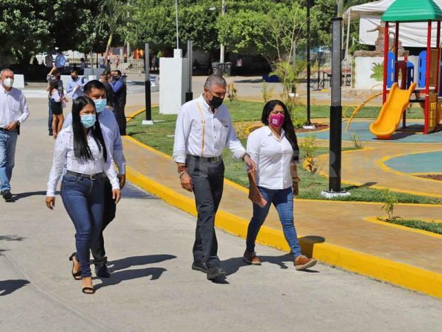 Supervisa Ángel Torres rehabilitación de parques