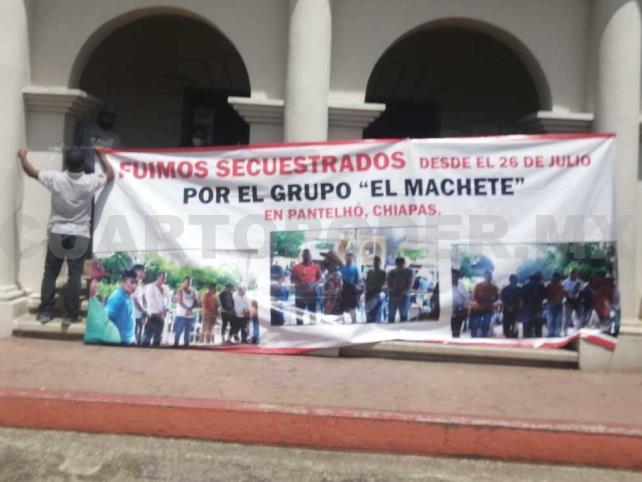 """Acusan a """"El Machete"""" por retención de pobladores"""