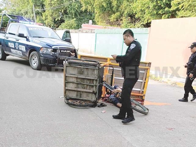 De tres balazos ultiman a triciclero detrás de escuela