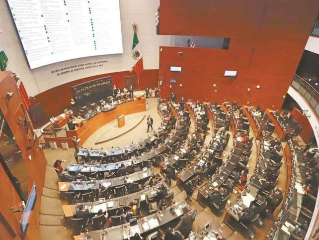 Morena y PAN chocan en Senado por falta de medicamentos