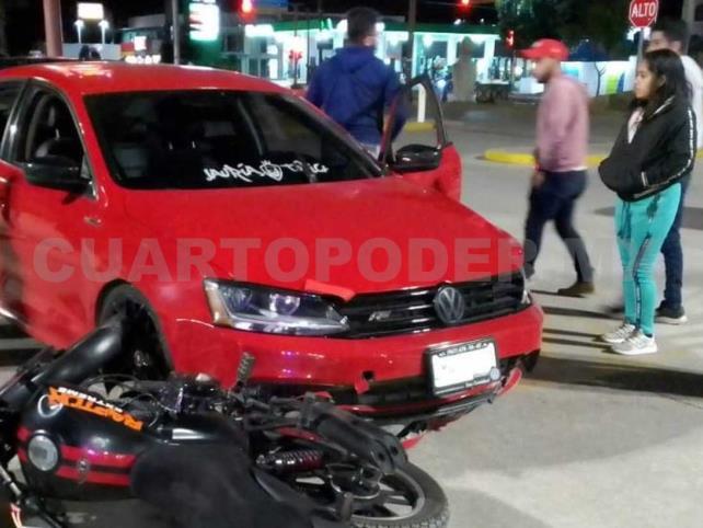 Motociclista queda lesionado en colisión