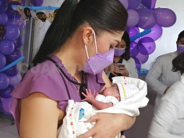 Salvan vida a un bebé tras 100 días internado